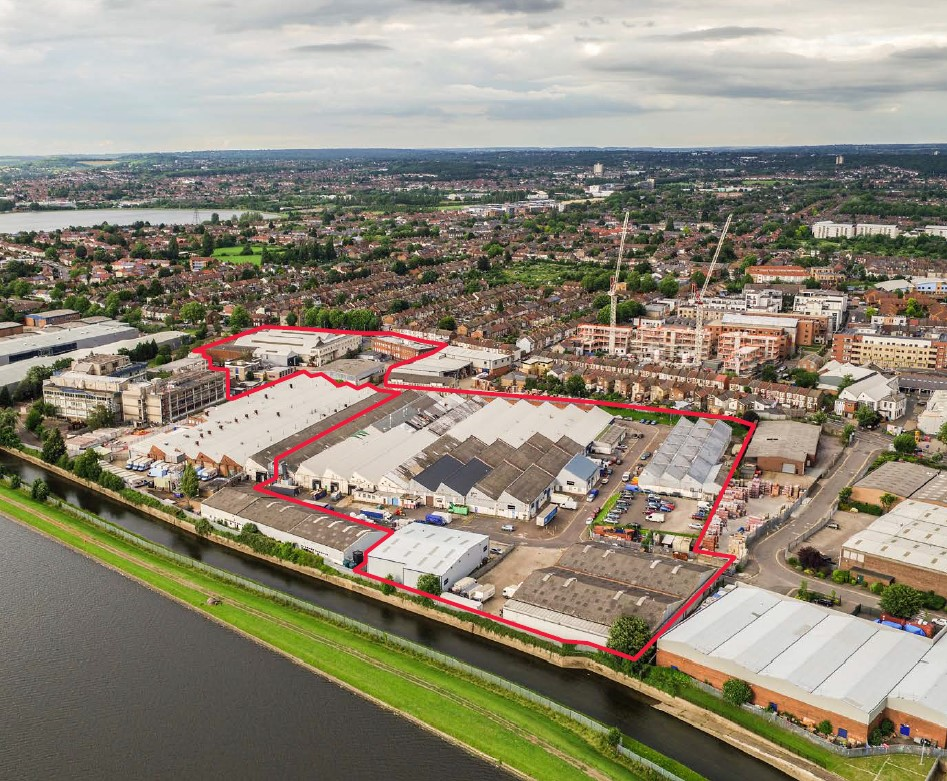 Glenny advises BlackRock on the acquisition of Uplands Business Park