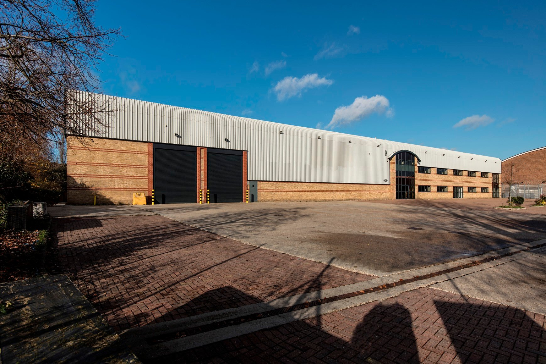 Glenny appointed by Legal & General on newly refurbished warehouse in Loughton